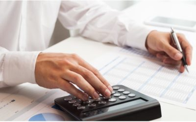 10 Pros and Cons of an Accounting Job